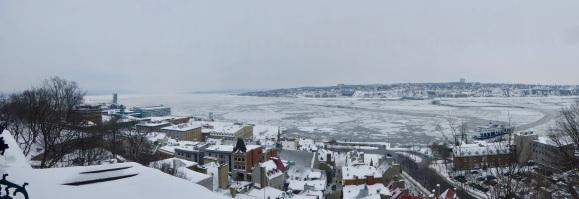 Vue panoramique sur le fleuve