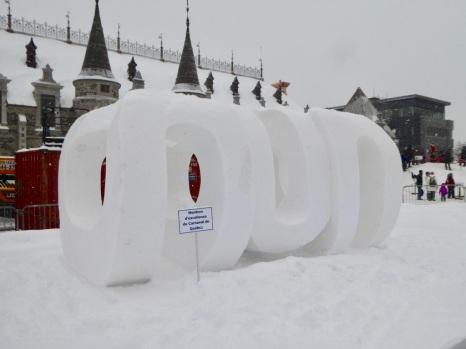 Championnat de sculpture de glace... et le prix d'excellence a été remis à .... la France 🇫🇷