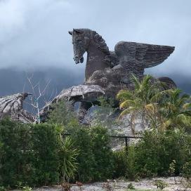 Statue de Pégase... immense